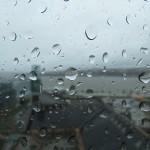 Tips para manejar su furgón en la lluvia